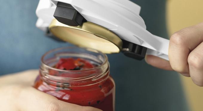 10 best ways to loosen stuck jar lids simply good tips